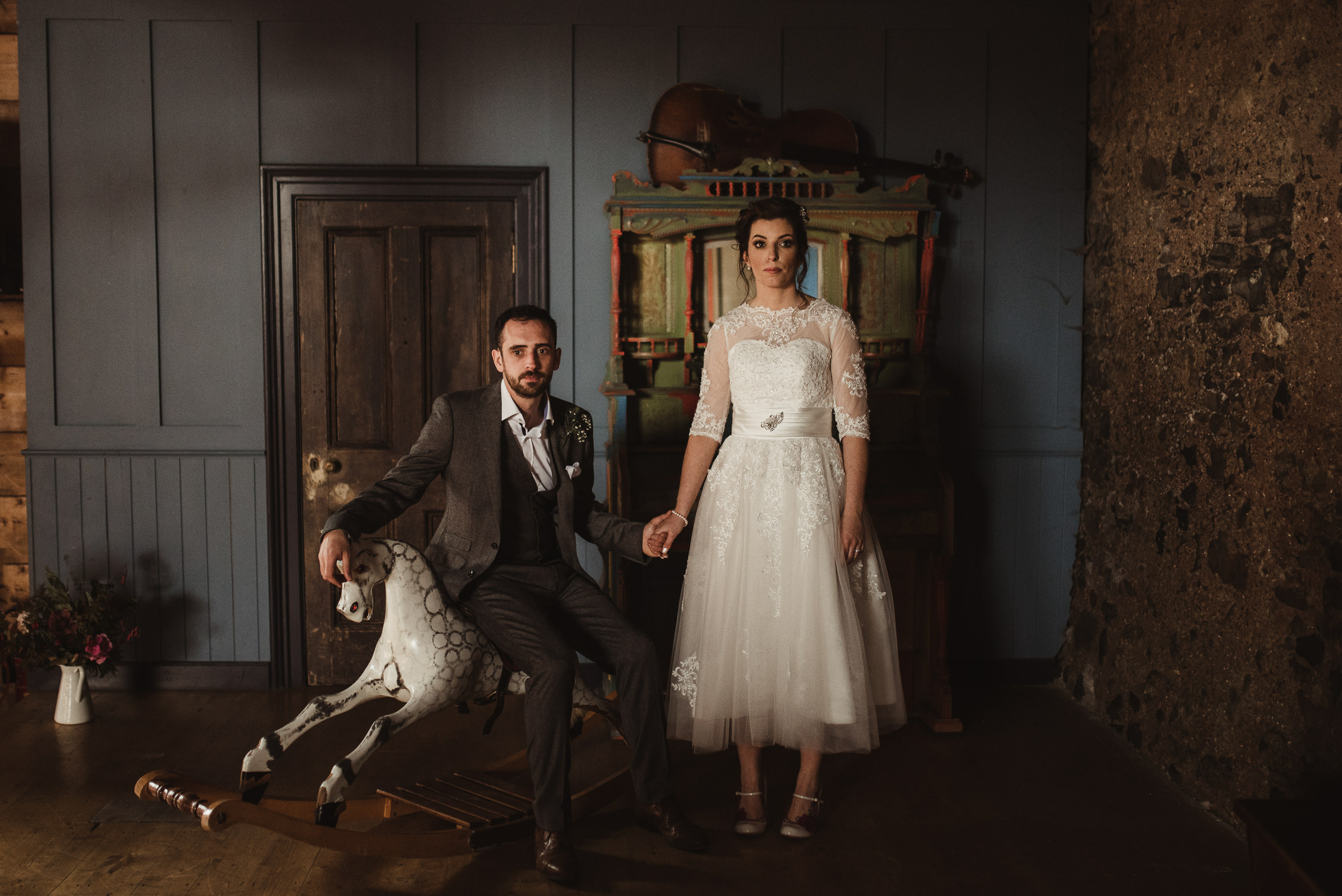alternative wedding at mount druid