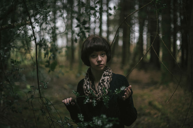 Chantelle lifestyle portraits in the forest dublin ireland beautiful sensual portraiture irish (16)