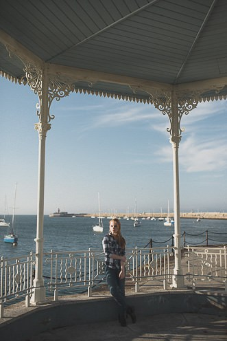 Natural outdoor portraits with megan bea tiernan in Dun Laoghaire Pier Ireland 0041