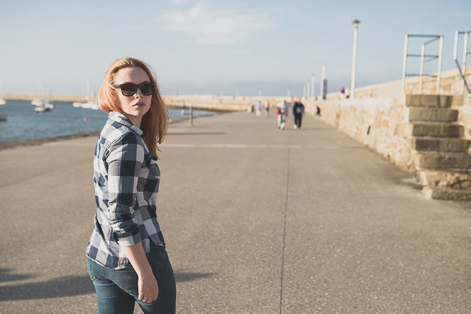 Natural outdoor portraits with megan bea tiernan in Dun Laoghaire Pier Ireland 0051
