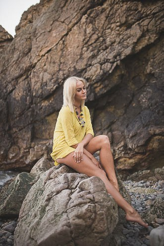 lina lifestyle portrait in dublin howth by irish wedding photographer tomasz kornas 014