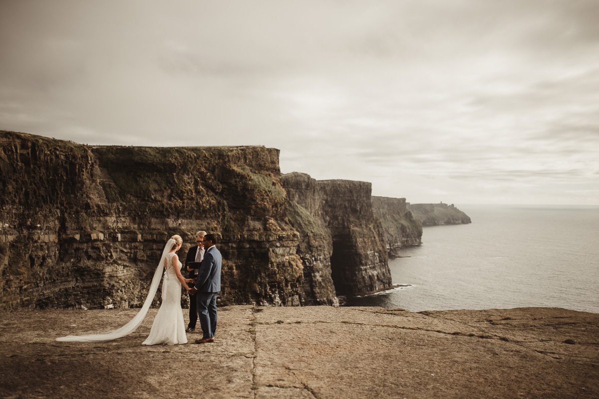 cliffs of moher elopement 003